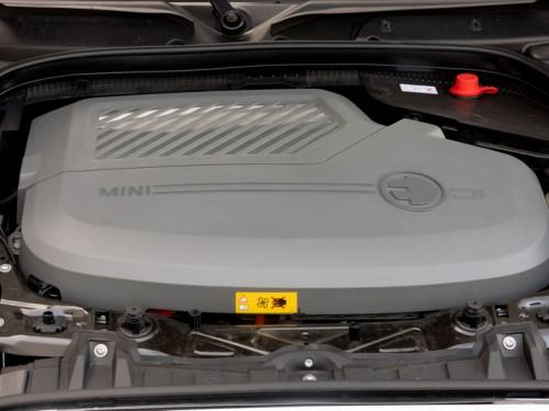 Новый полностью электрический MINI Cooper SE: старт продаж в Украине.