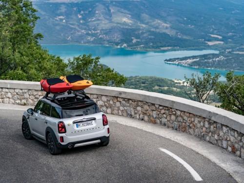 Задоволення від керування, створене природою: на MINI Cooper SE Countryman ALL4 до Гранд-Каньйону Франції.