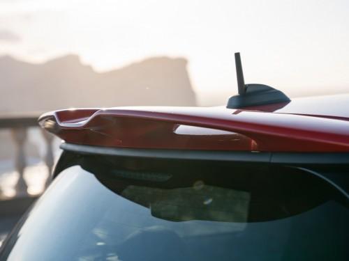 Новий MINI John Cooper Works: екстремальне задоволення від водіння.